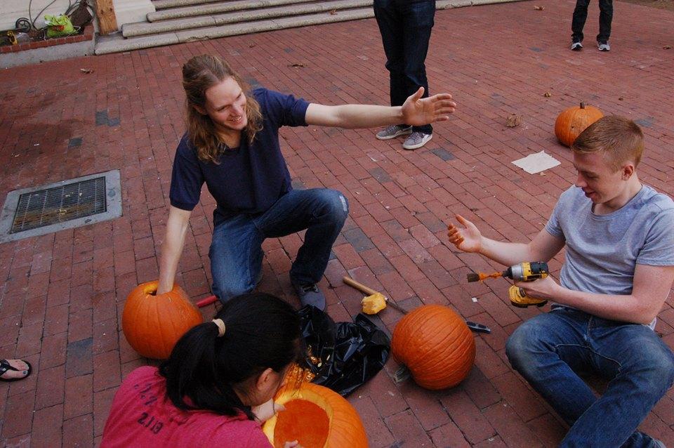 pumpkincarving2